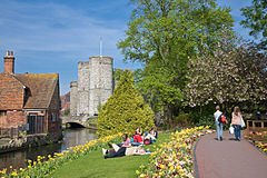 Canterbury240px-River_Stour_in_Canterbury,_England_-_May_08
